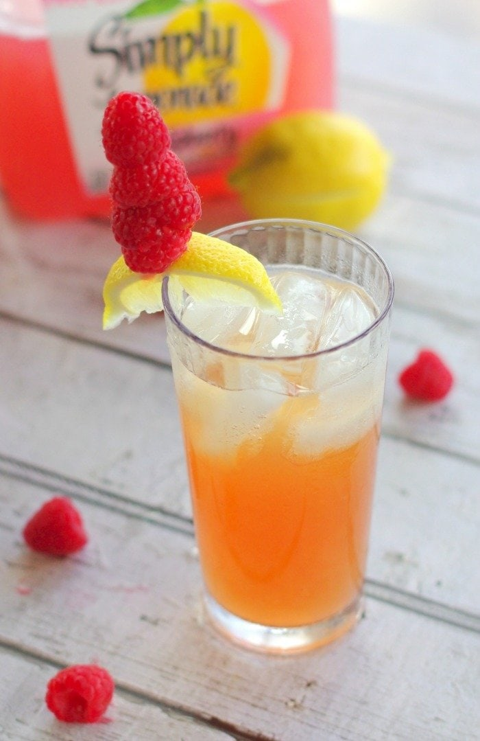 Firefly Raspberry Lemonade Cocktail | Home & Plate | www.homeandplate.com | Sweet tea vodka and raspberry lemonade make a delicious summer cocktail