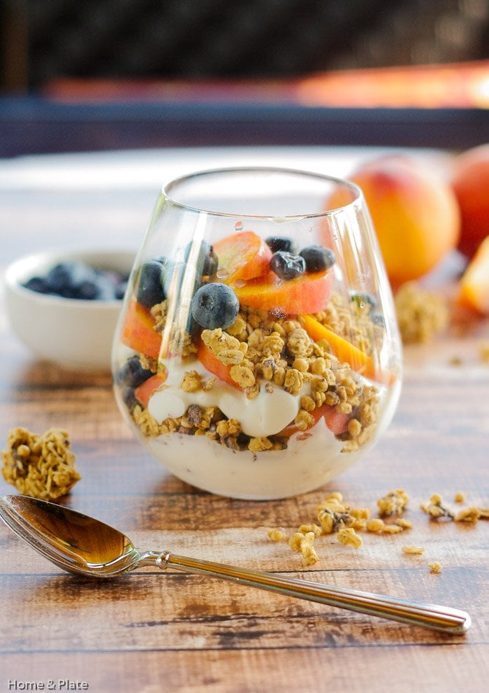 Granola Parfaits with Peaches & Blueberries