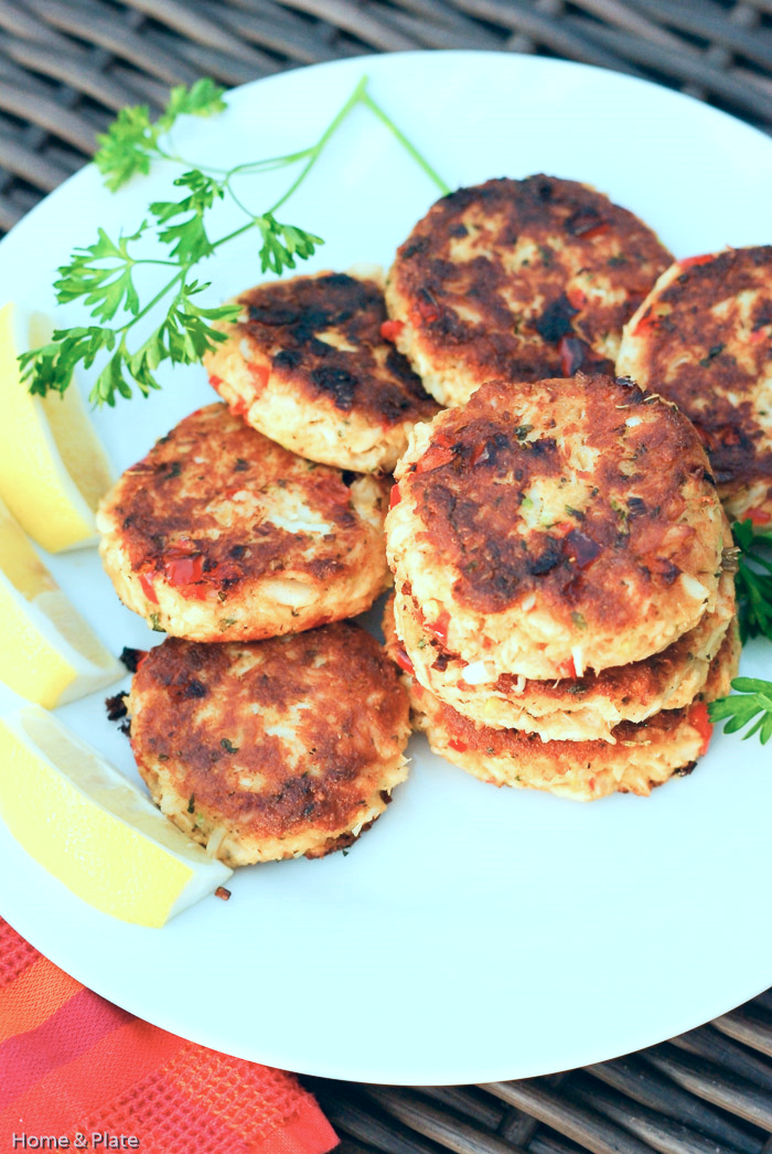 Classic Old Bay Crab Cakes with Roasted Red Peppers | Home & Plate | www.homeandplate.com | The secret to these classic crab cakes is that the succulent crab meat is mixed with just the right amount of crunchy Panko breadcrumbs.