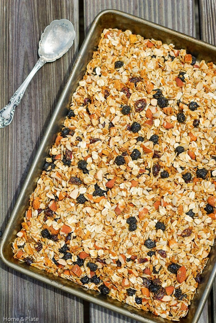 Homemade Maple Almond Granola | Home & Plate | www.homeandplate.com | What