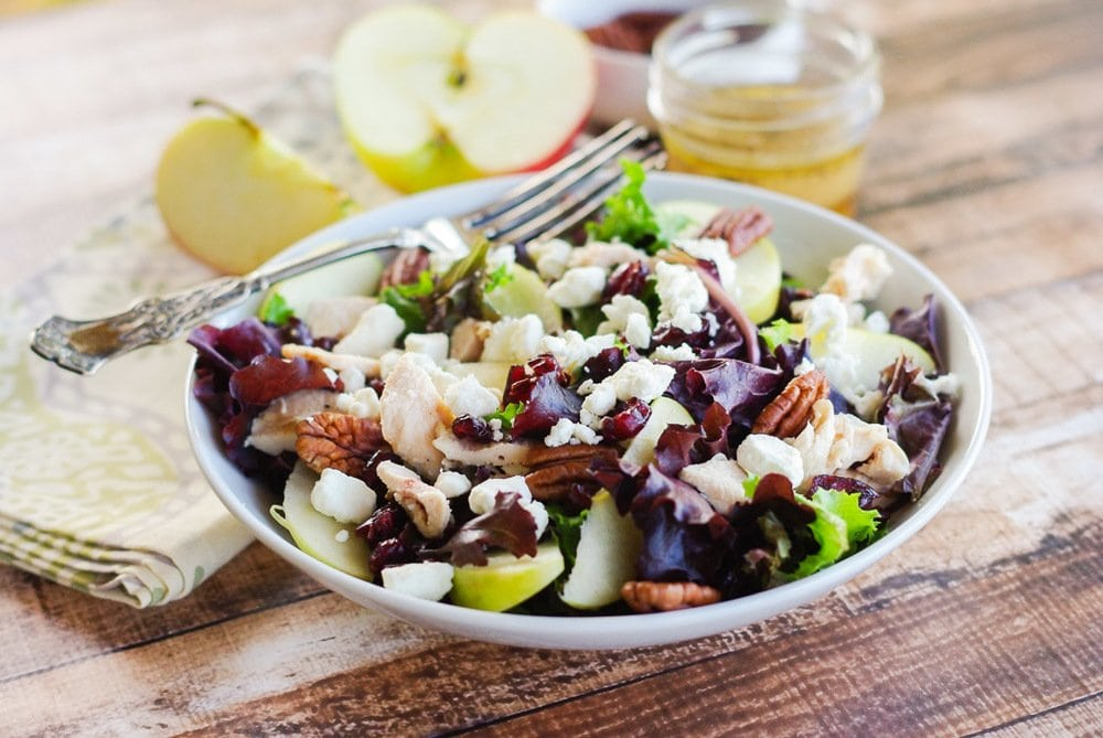 Honeycrisp Apple Pecan Salad with an Apple Cider Vinaigrette