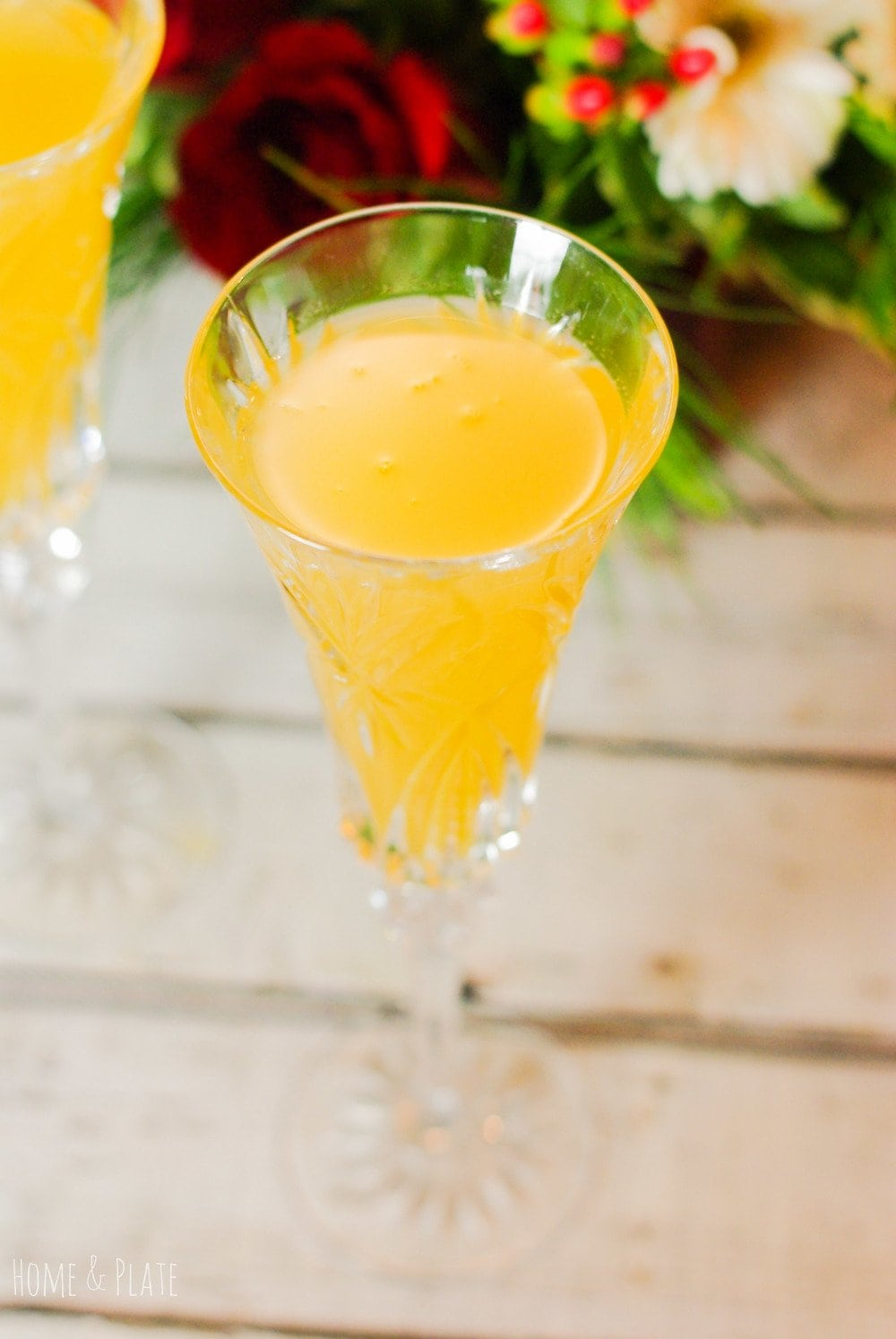 Elderflower Bellinis | www.homeandplate.com | For this peachy favorite, Elderflower liqueur is the star of the show. It