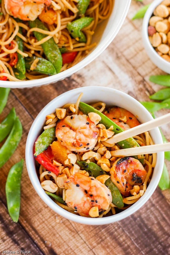 Chilled Oriental Sesame Noodles | Home & Plate | www.homeandplate.com | Easy to make and delicious, these sesame noodles are a perfect dinner for midweek.