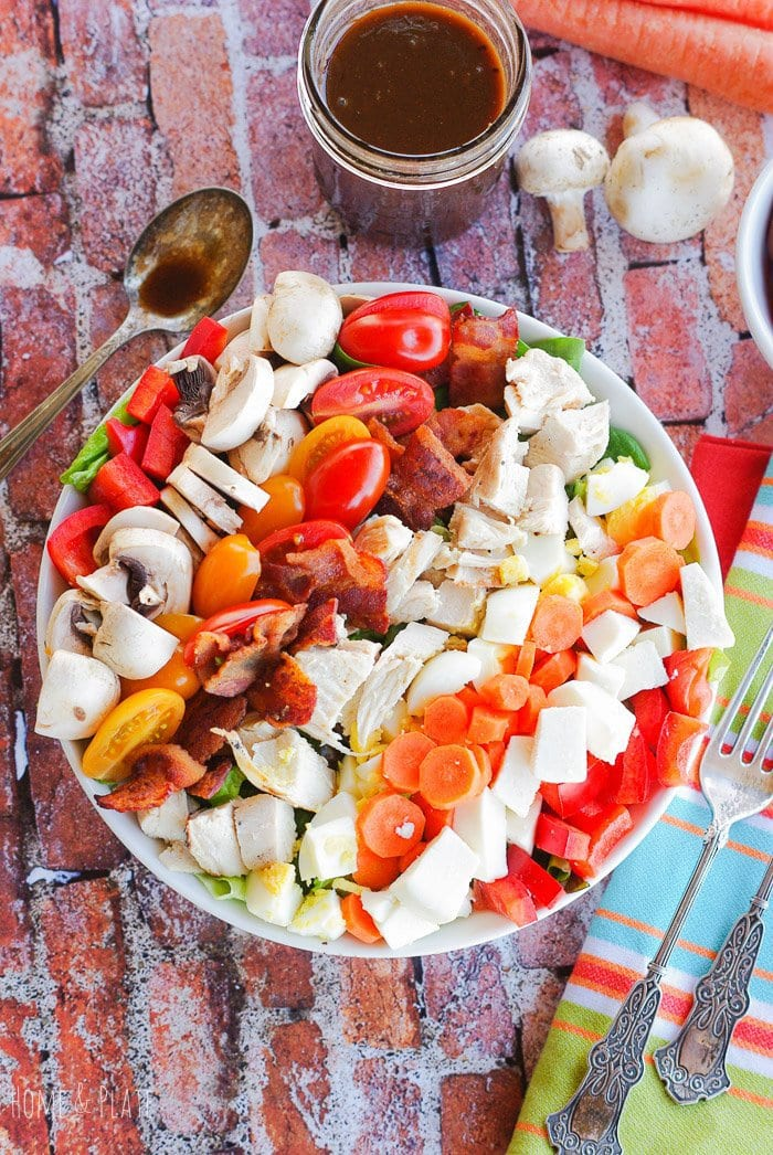 Healthy Cobb Salad with an Aged Balsamic Vinaigrette | www.homeandplate.com | Throw together a healthy Cobb salad with the leftovers in your fridge for an easy lunch or dinner.