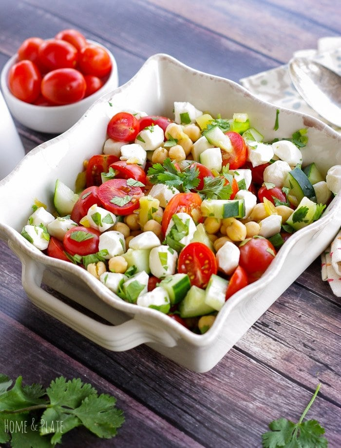 Mediterranean Chickpea Salad | www.homeandplate.com | Bring home the flavors of the Middle East in this easy and healthy chickpea salad.