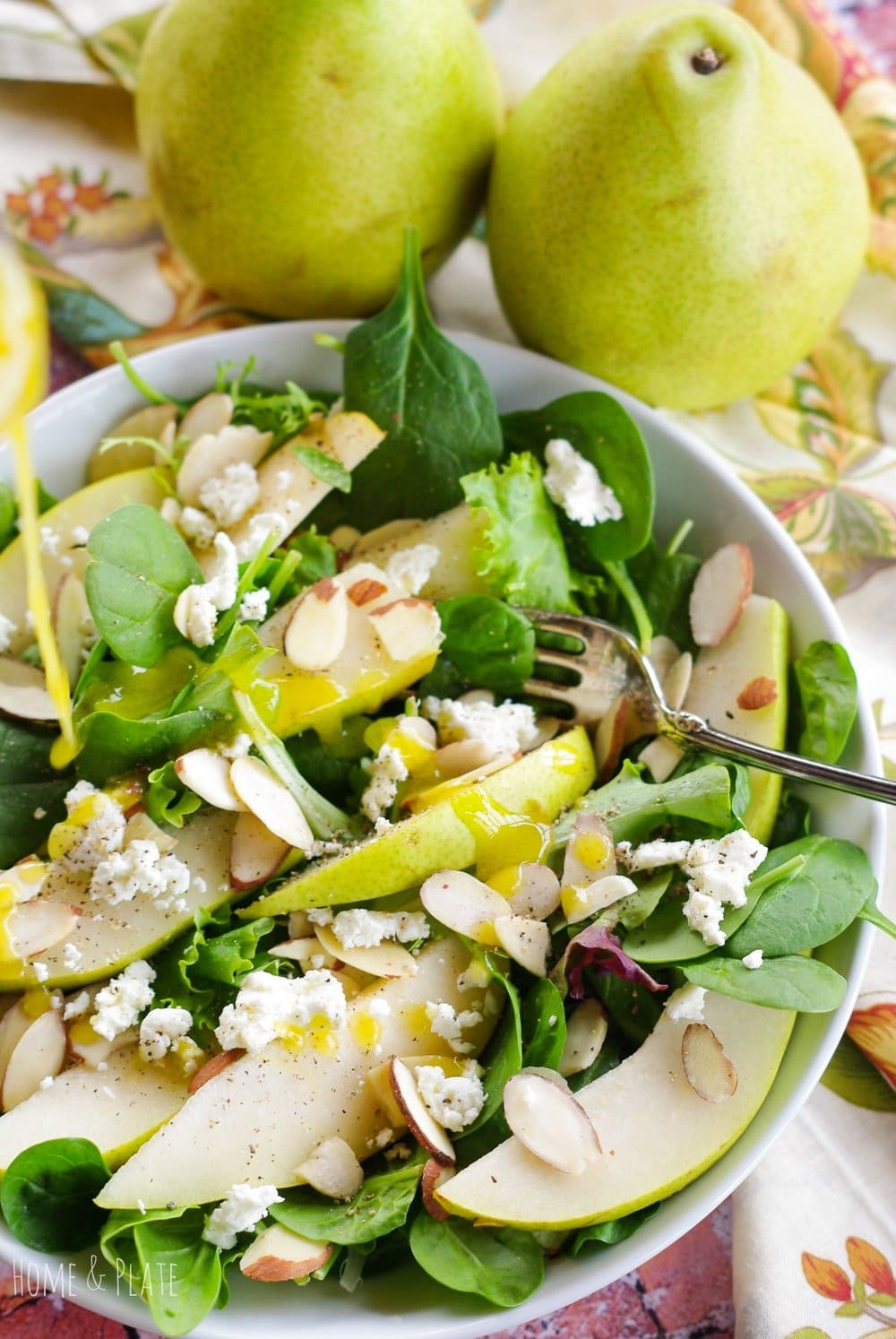 Autumn Pear Salad with Citrus Dressing | www.homeandplate.com | The perfect salad for any holiday - Thanksgiving, Christmas and Easter.