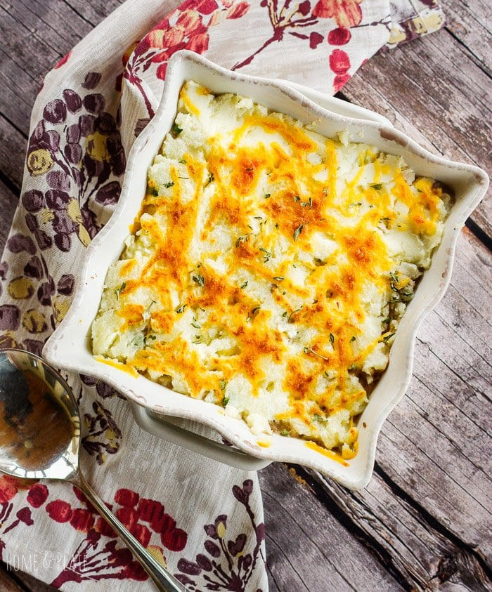 Leftovers Cottage Pie | www.homeandplate | Turn last night's leftovers into a classic cottage pie in 30 minutes. It's the ultimate comfort food this winter.