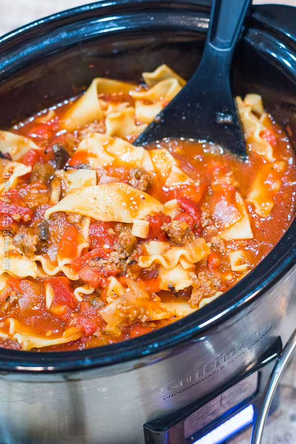 Slow Cooker Lasagna Soup | Your favorite lasagna is now an easy slow cooker soup recipe.