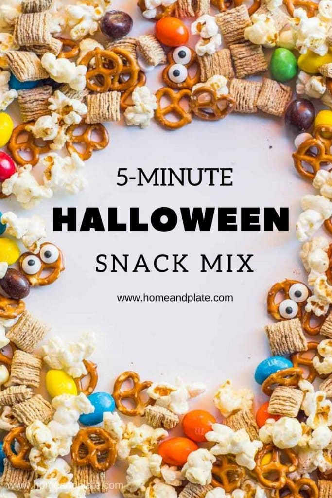 5 Minute Halloween Snack Mix | This Halloween snack mix is easy to throw together for a class party or for treat bags.